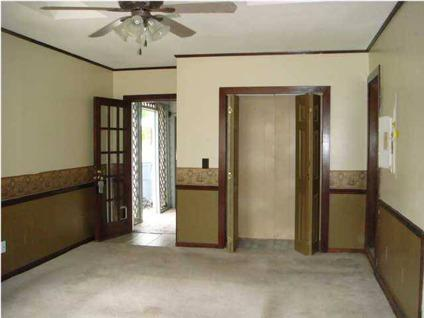 $104,000 Summerville Three BR Two BA, ** Brich Ranch in Great Area ** Open