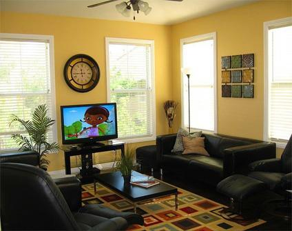 $150 Gorgeous Gated Top Floor Condo Vacation Rental