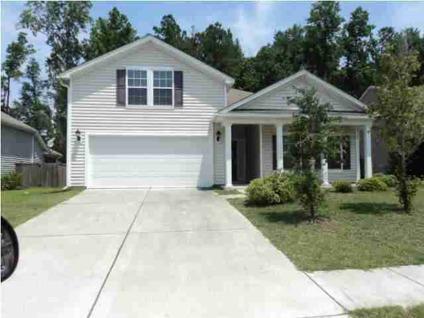 $204,000 Summerville 3BR 2BA, Beautiful Home with nice open floor