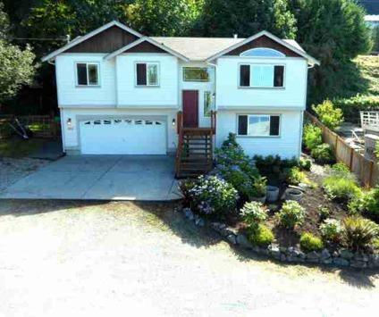 $299,900 Spectacular views from both the upstairs and downstairs from this 1756 sq ft