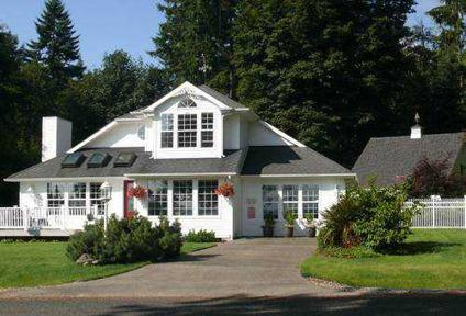 $329,000 BEAUTIFUL ANDERSON ISLAND HOME ~ Ideal as Full-Time or Vacation Home