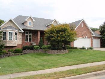 $414,900 Springfield 4BR 3BA, Wonderful executive custom built home