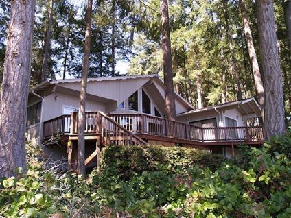 $425,000 Lakefront Chalet