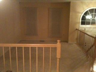 FOR RENT: Share a LOVELY 3 Level, 3BR, 2 1/2 Bath end-unit garage Townhouse - UT