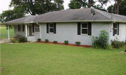 NICELY UPDATED 3BED 1 LARGE BATH. SITS ON 1.5 BEAUTIFUL ACRES WITH A CREEK RUNNING THROUGH BACK OF PROPERTY. ALMOST 1600 square feet heated. LARGE WORKSHOP WITH ELECTRICITY. Move in READY!!!!Call Amie Green at 318-613-2635 Keller Williams Realty Cenla