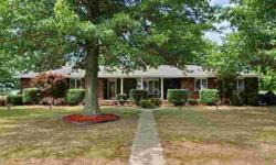 Gorgeous all-brick home on just over a half acre corner lot with tons of mature trees! Lina Robertson has this 3 bedrooms / 2 bathroom property available at 861 Julian St in Marshfield, MO for $129900.00. Please call (417) 844-7265 to arrange a