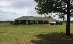 Great country living but still convenient to the turnpike for easy access anywhere. Seth Bullard is showing this 4 bedrooms / 2 bathroom property in Wellston. Call (405) 330-2626 to arrange a viewing.