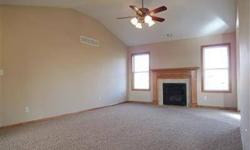 This is a beautiful split level home with so much to offer. Darcy Ferguson is showing this 4 bedrooms / 3 bathroom property in JUNCTION CITY, KS. Call (785) 762-2521 to arrange a viewing. Listing originally posted at http