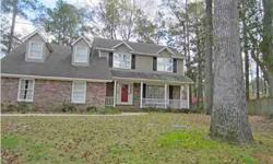 This is a brick home on a cul-de-sac with a oversized backyard in desirable ashborough. Kim Boerman is showing this 4 bedrooms / 2.5 bathroom property in SUMMERVILLE, SC. Call (843) 452-0688 to arrange a viewing. Listing originally posted at http