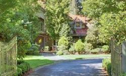 Complete Privacy! Beautifully landscaped lot enclosed by wrought iron fence in Canter Grove, an exclusive neighborhood 20 minutes from downtown Seattle minutes to downtown Issaquah. Beautiful and immaculate home perfect for entertaining or everyday