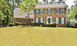 This spacious home is located in beautiful fayette county & has an awesome 3 car detached and in-law suite. Cindy Barnard is showing this 6 bedrooms / 3.5 bathroom property in Fayetteville. Call (770) 632-1112 to arrange a viewing.