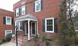 Fabulous fully renovated Clarendon II with 3 level. Bright natural light floods this End Unit adjacent to parking. Renov in 2009/10. Upper 2 floors all hardwood. Granite/Stainless/new cabinets in kitchen, built-in storage in LL. Both baths have new