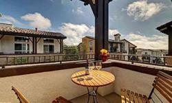 Luxurious in both quality and design, this townhome in the sought after Serenadecomplex is a special opportunity to own one of Playa Vista's best locations! The living space includes a gourmet kitchen with stainless appliances, granite counters and