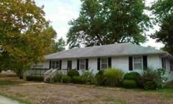 Solid built 3 beds two bathrooms home. One story ranch style. Jenny Holsapple is showing 504 E Camp in Iuka, IL which has 3 bedrooms / 2 bathroom and is available for $64900.00. Call us at (618) 548-6683 to arrange a viewing.Listing originally posted at