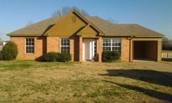 4/2 Brick home ready to move in! Great for first time home buyer. Freshly painted, new flooring. Seller willing to negotiate! Ask about low or no money down qualification! Call today! Hometown Realty Jennifer Hearn 901-837-SELL (Office)/ 901-497-1736