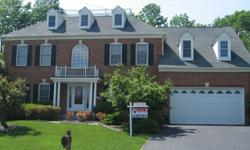This Grand Potomac model in Fairfax, Virginia is in excellent condition and sits in a cul-de-sac. It has beautiful wood floors and a morning room with a 2-story ceiling. It also has a fabulous rec room complete with a dance floor and wet bar. There's a