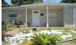 """""""Short Sale"""". Ceramic tile in updated kitchen with eating area. Florida room is huge and opens to fenced in back yard. Great for entertaining. Bonus family room. Separate laundry room. New roof in 2001. Needs a little TLC."""