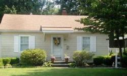 You must see this adorable 2 beds, one bathrooms home conveniently located near wesselman's park. Stephanie Morris is showing this 2 bedrooms / 1 bathroom property in Evansville, IN. Call (812) 484-9030 to arrange a viewing. Listing originally posted at