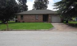 Beautiful 3 beds home with a enormous yard and mature trees. Alan Kindall is showing 2012 East Sandlewood St in Republic which has 3 bedrooms / 2.5 bathroom and is available for $86900.00. Call us at (417) 883-4900 to arrange a viewing.