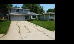 10512 M Street - This is a Fannie Mae Homepath Property. Approved for Homepath Renovation Financing. Home has mature landscaping and is close to restaurants,shopping, and interstate access. Contact Ann at 402-714-7992, Tom at 402-677-6380, or P.J. Morgan