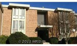 WALK TO METRO!!! TOP UNIT READY TO GO!!! SHOWS NICELY, COMMUNITY HAS OLYMPIC SIZE POOL, TENNIS CTS & CLUB HOUSE!!! LARGE PARKING SPACE AREA!!! Bedrooms: 2 Full Bathrooms: 1 Half Bathrooms: 0 Lot Size: 0 acres Type: Condo/Townhouse/Co-Op County: Fairfax