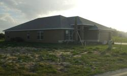 Winter Haven Florida lakefront inventory home available for sale. This home is three bedrooms, two baths, with a 2 car garage at 2200 square feet of living space. This could be your perfect second home and/or investment property tucked away in a low